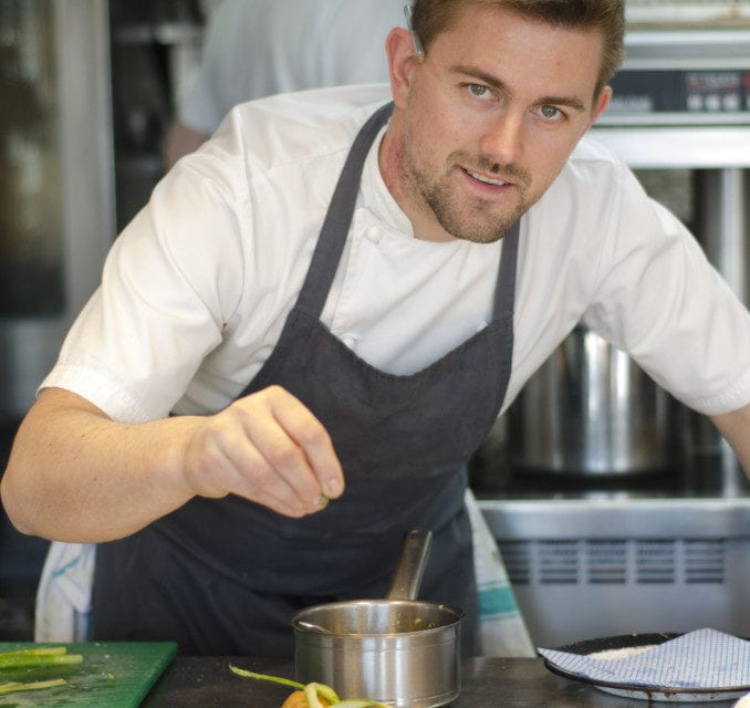 Kitchen Masterclass with Robert Thompson – Perfect Poached Egg
